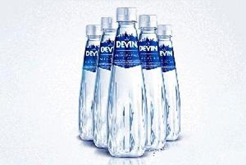 精致的设计以及水晶玻璃般效果结合pet瓶的不